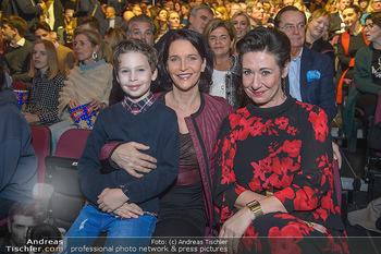 Holiday on Ice Atlantis Premiere - Stadthalle, Wien - Mi 16.01.2019 - Maya HAKVOORT mit Sohn Jason, Andrea HÄNDLER49