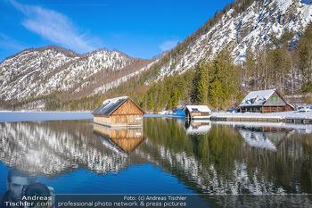 Österreich in Farben - Oberösterreich - Do 17.01.2019 - Seehütte Fischerhütte Bootshaus am Almsee, Almtal, blauer Himm28