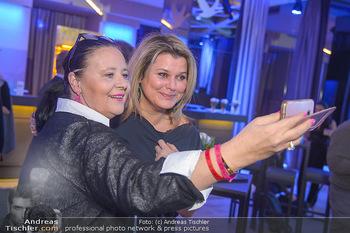 Trust your Gyn Charity - Palais Wertheim - Mi 23.01.2019 - Doris KIEFHABER, Janina LEBISZCZAK4