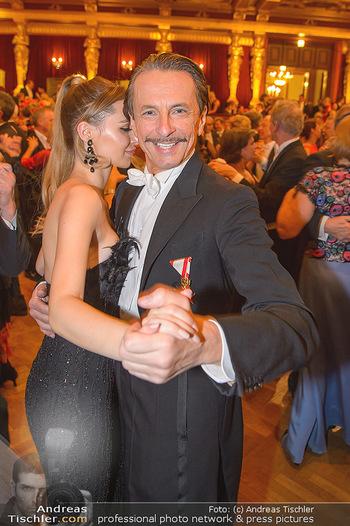 Philharmonikerball 2019 - Musikverein Wien - Do 24.01.2019 - Christian RAINER mit Freundin Sonja Magdalena MIELCZAREK201