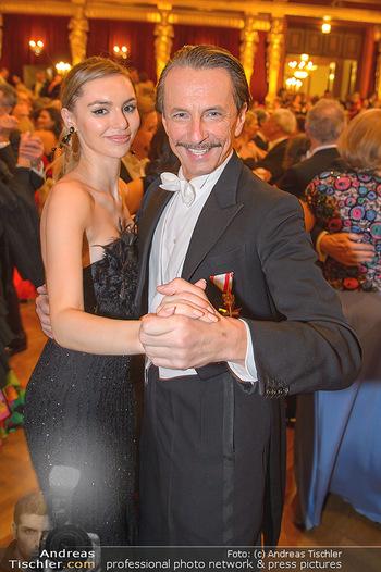 Philharmonikerball 2019 - Musikverein Wien - Do 24.01.2019 - Christian RAINER mit Freundin Sonja Magdalena MIELCZAREK202