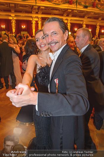 Philharmonikerball 2019 - Musikverein Wien - Do 24.01.2019 - Christian RAINER mit Freundin Sonja Magdalena MIELCZAREK203