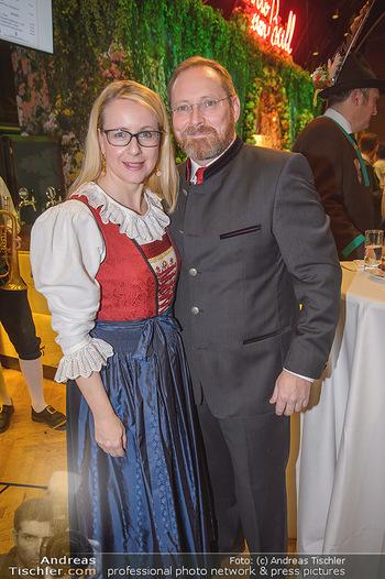 Jägerball - Hofbur - Mo 28.01.2019 - Margarete SCHRAMBÖCK mit Ehemann10