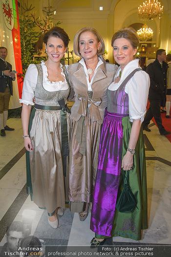 Jägerball - Hofbur - Mo 28.01.2019 - Johanna MIKL-LEITNER, Christa KUMMER, Karoline EDTSTADLER19