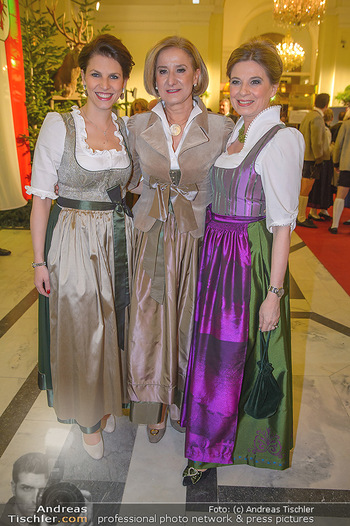 Jägerball - Hofbur - Mo 28.01.2019 - Johanna MIKL-LEITNER, Christa KUMMER, Karoline EDTSTADLER20