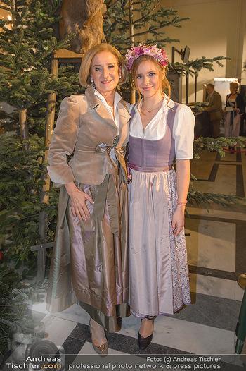Jägerball - Hofbur - Mo 28.01.2019 - Johanna MIKL-LEITNER mit Tochter Anna36