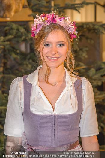 Jägerball - Hofbur - Mo 28.01.2019 - Anna MIKL (Portrait)40
