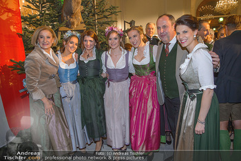 Jägerball - Hofbur - Mo 28.01.2019 - Johanna MIKL-LEITNER mit Tochter Anna, Josef PRÖLL mit Tochter 52