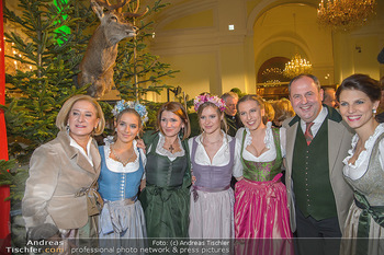 Jägerball - Hofbur - Mo 28.01.2019 - Johanna MIKL-LEITNER mit Tochter Anna, Josef PRÖLL mit Tochter 53