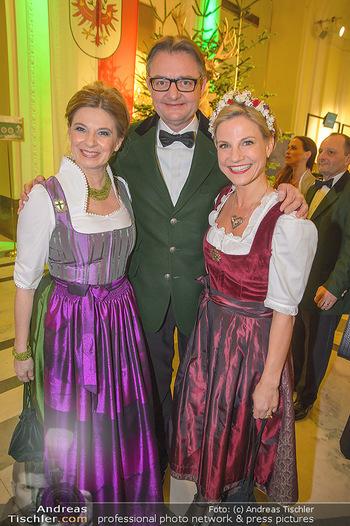 Jägerball - Hofbur - Mo 28.01.2019 - Christa KUMMER, Kristina SPRENGER mit Ehemann Gerald GERSTBAUER72