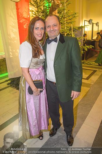 Jägerball - Hofbur - Mo 28.01.2019 - Burkhard ERNST mit Ehefrau Katharina73