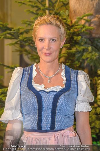 Jägerball - Hofbur - Mo 28.01.2019 - Eva DICHAND (Portrait)78
