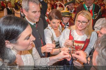 Jägerball - Hofbur - Mo 28.01.2019 - Hartwig LÖGER, Karoline EDTSTADLER, Margarete SCHRAMBÖCK150