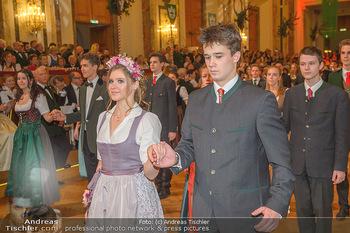 Jägerball - Hofbur - Mo 28.01.2019 - Anna MIKL mit Tanzpartner Fabian191