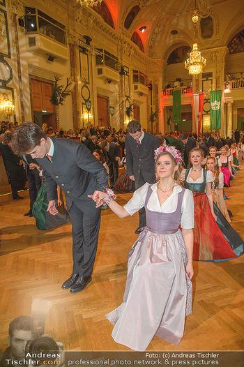 Jägerball - Hofbur - Mo 28.01.2019 - Anna MIKL mit Tanzpartner Fabian192