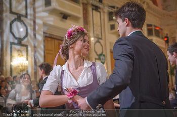 Jägerball - Hofbur - Mo 28.01.2019 - Anna MIKL mit Tanzpartner Fabian196