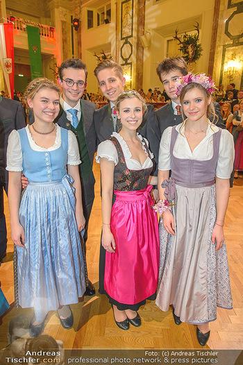 Jägerball - Hofbur - Mo 28.01.2019 - Anna MIKL mit Tanzpartner Fabian und Freunden231