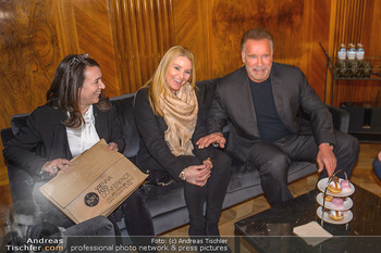 Schwarzenegger trifft Kurz - Bundeskanzleramt - Di 29.01.2019 - Arnold SCHWARZENEGGER mit Begleitung (Freundin?)53