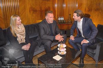 Schwarzenegger trifft Kurz - Bundeskanzleramt - Di 29.01.2019 - Arnold SCHWARZENEGGER mit Begleitung (Freundin?), Sebastian KURZ55