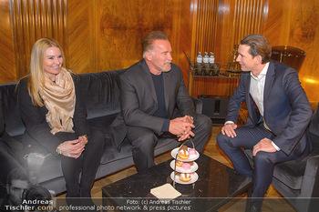 Schwarzenegger trifft Kurz - Bundeskanzleramt - Di 29.01.2019 - Arnold SCHWARZENEGGER mit Begleitung (Freundin?), Sebastian KURZ57