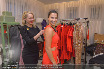 Kleidanprobe Kristina Worseg - Atelier Silvia Schneider - Sa 09.02.2019 - Kristina WORSEG, Silvia SCHNEIDER1