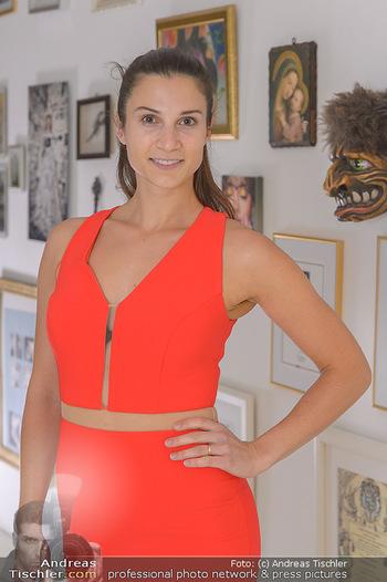 Kleidanprobe Kristina Worseg - Atelier Silvia Schneider - Sa 09.02.2019 - Kristina WORSEG3