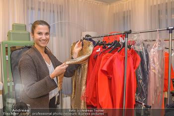 Kleidanprobe Kristina Worseg - Atelier Silvia Schneider - Sa 09.02.2019 - Kristina WORSEG18