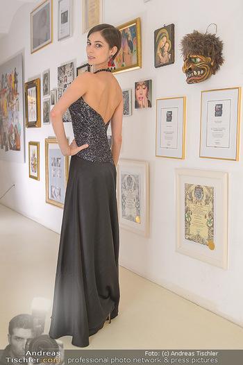 Kleidanprobe Maria Yakovleva - Atelier Silvia Schneider - Mo 11.02.2019 - Maria YAKOVLEVA2