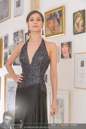 Kleidanprobe Maria Yakovleva - Atelier Silvia Schneider - Mo 11.02.2019 - Maria YAKOVLEVA4