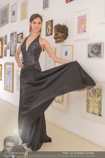 Kleidanprobe Maria Yakovleva - Atelier Silvia Schneider - Mo 11.02.2019 - Maria YAKOVLEVA10