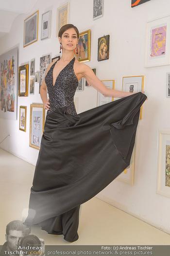 Kleidanprobe Maria Yakovleva - Atelier Silvia Schneider - Mo 11.02.2019 - Maria YAKOVLEVA12