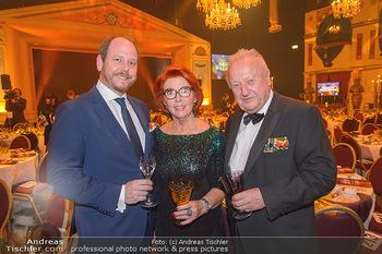 Seitenblicke Night Tour Gala - Interspot Studios - Mo 11.02.2019 - Inge und Rudolf Purzel KLINGOHR mit Sohn Niki3