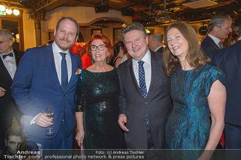 Seitenblicke Night Tour Gala - Interspot Studios - Mo 11.02.2019 - Michael LUDWIG mit Ehefrau Irmtraud, Niki und Inge KLINGOHR11
