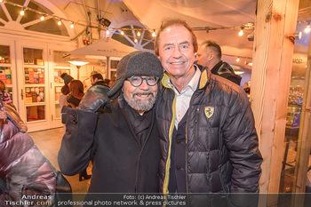 Winter Closing - Moet & Chandon Chalet - Di 12.02.2019 - Luigi BARBARO, Heribert KASPER1