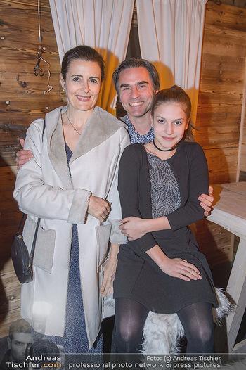 Winter Closing - Moet & Chandon Chalet - Di 12.02.2019 - Familie Natanya und Joachim TINNEFELD mit Tochter Allegra8