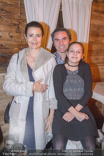 Winter Closing - Moet & Chandon Chalet - Di 12.02.2019 - Familie Natanya und Joachim TINNEFELD mit Tochter Allegra9