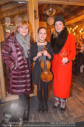 Winter Closing - Moet & Chandon Chalet - Di 12.02.2019 - Eva RADINGER, Allegra TINNEFELD, Valentine SANS15