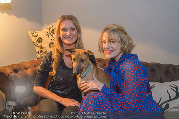 Premiere ´Pathos´ von Angelika Niedetzky - CasaNova, Wien - Mi 13.02.2019 - Angelika NIEDETZKY mit Hund Maja, Elke WINKENS11