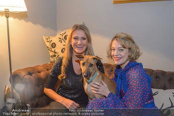 Premiere ´Pathos´ von Angelika Niedetzky - CasaNova, Wien - Mi 13.02.2019 - Angelika NIEDETZKY mit Hund Maja, Elke WINKENS12
