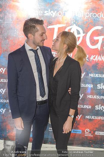 Kinopremiere ´8 Tage´ - Urania Kino Wien - Do 14.02.2019 - Daniel FILA mit Freundin10