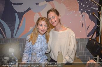 Kinopremiere ´8 Tage´ - Urania Kino Wien - Do 14.02.2019 - Nora VON WALDSTÄTTEN mit ihrer Schwester138