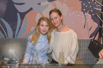 Kinopremiere ´8 Tage´ - Urania Kino Wien - Do 14.02.2019 - Nora VON WALDSTÄTTEN mit ihrer Schwester139