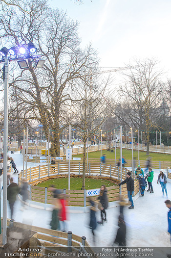 SuperFit Charity Eisstockschießen - Rathausplatz - Mo 18.02.2019 - 3