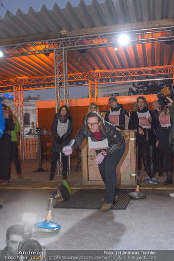 SuperFit Charity Eisstockschießen - Rathausplatz - Mo 18.02.2019 - 42
