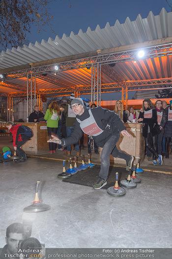 SuperFit Charity Eisstockschießen - Rathausplatz - Mo 18.02.2019 - 44