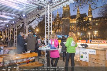 SuperFit Charity Eisstockschießen - Rathausplatz - Mo 18.02.2019 - 50