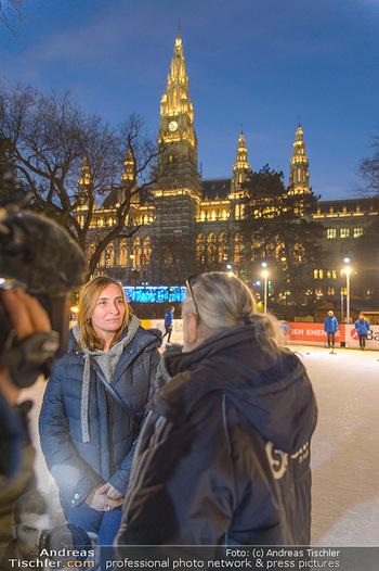 SuperFit Charity Eisstockschießen - Rathausplatz - Mo 18.02.2019 - 52