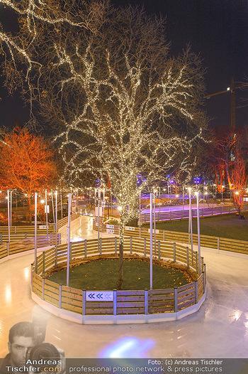 SuperFit Charity Eisstockschießen - Rathausplatz - Mo 18.02.2019 - Wiener Eistraum Eislaufplatz, beleuchteter Baum58