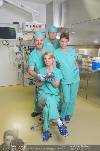 Fotoshooting zu ´Die Niere´ - Krankenhaus - Mo 18.02.2019 - Kristina SPRENGER, Doris HINDINGER, Alexander JAGSCH, Martin LEU5