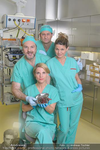 Fotoshooting zu ´Die Niere´ - Krankenhaus - Mo 18.02.2019 - Kristina SPRENGER, Doris HINDINGER, Alexander JAGSCH, Martin LEU6